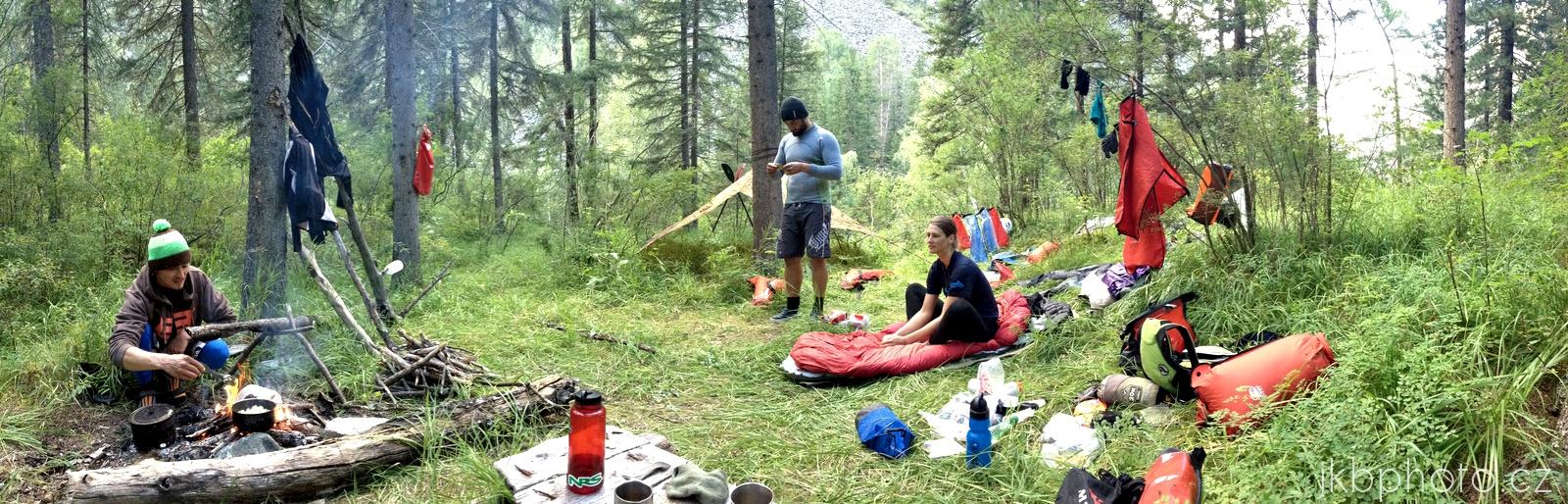 Bashkaus: náš první kemp u pravého přítoku Onysh