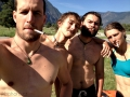 Bashkaus: oslavnej kouř na vysedačce z řeky