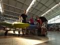 Naše sestava na pražském letišti připravena k odletu
