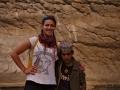 Wadi Bani Khalid: místní mladík nám s radostí ukáže cestu