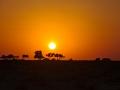 Wahiba sands: nádherný západ slunce po prvním dnu přejezdu