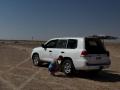 Wahiba sands: po 230 kilometrech v poušti vítáme silnici a nafukujeme kola z 15 zpět na 33 PSI