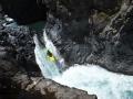 Palo Andrassy na prvním skoku Siete Tazas řeky Rio Claro