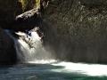 Terka Svobodová na jednom z 22 vodopádů řeky Rio Claro