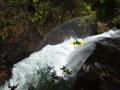 Palo Andrassy stompuje wall drop na řece Rio Nevados