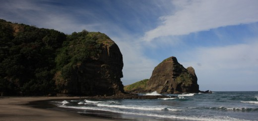 czPiha-nádherná-pláž-45-minut-jízdy-z-Aucklandu-enPiha-beautiful-beach-45-minute-drive-from-Auckland